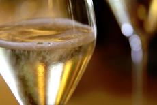 BOOM nu merge cu Prosecco. CASCADĂ de vin spumant în Italia, după O EXPLOZIE la o fabrică de vinuri