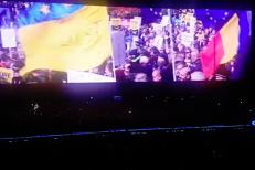U2 foloseşte în concerte imagini cu PROTESTELE de la Bucureşti