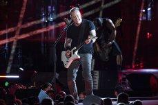 Schimb BILET Metallica numai cu iPhone, NOU sau IMPECABIL ÎN GARANŢIE. Cu cât se mai LICITEAZĂ biletele la concertul din Bucureşti