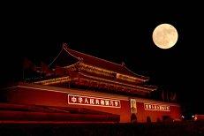 Oraşul din China care va înlocui stâlpii de iluminat cu o LUNĂ ARTIFICIALĂ