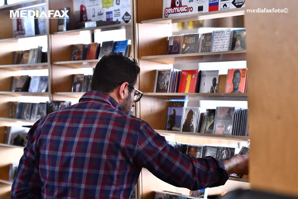 Târgul Internaţional Gaudeamus sau cum se întâlneşte festivismul centenar cu cartea