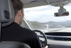 Un şofer a rămas FĂRĂ PERMIS la doar 49 DE MINUTE după ce l-a obţinut
