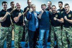 Chuck Norris, DAT PE SPATE de forţele anti-tero din UNGARIA. Premierul Viktor Orban a fost ŞOFERUL actorului