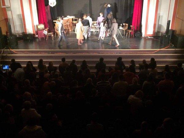 De la un simplu experiment social, la o şcoală de teatru