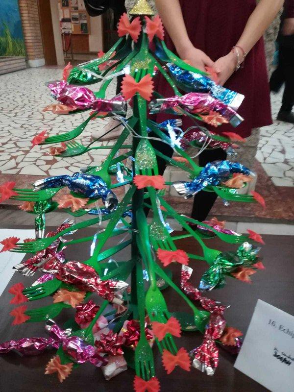 Brazi din materiale reciclabile, realizați de studenții din Galați