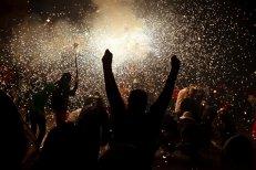 Petreceri TEMATICE, bucate TRADIŢIONALE şi muzică LIVE. Revelionul, la MUNTE sau la MARE?