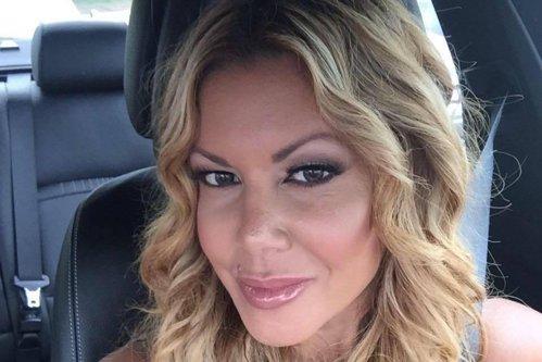 O femeie a furat peste un MILION DE DOLARI de la BMW pentru a-şi cumpăra un FORD MUSTANG, BILETE DE AVION şi ca să-şi facă OPERAŢII ESTETICE