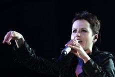 La un an de la moartea solistei Dolores O'Riordan, THE CRANBERRIES anunţă că va lansa un NOU album