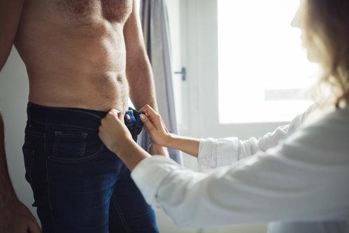 Ultimatumul dat de un bărbat soţiei care refuză să îi mai facă în dormitor ceva ce lui îi place mult
