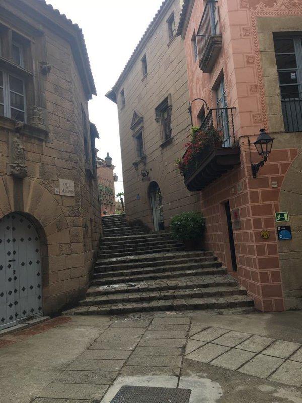 satul spaniol