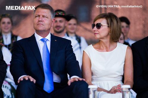 Carmen Iohannis a strălucit lângă Melania Trump. Cum şi-a făcut apariţia la recepţia reuniunii NATO prima doamnă a României - FOTO