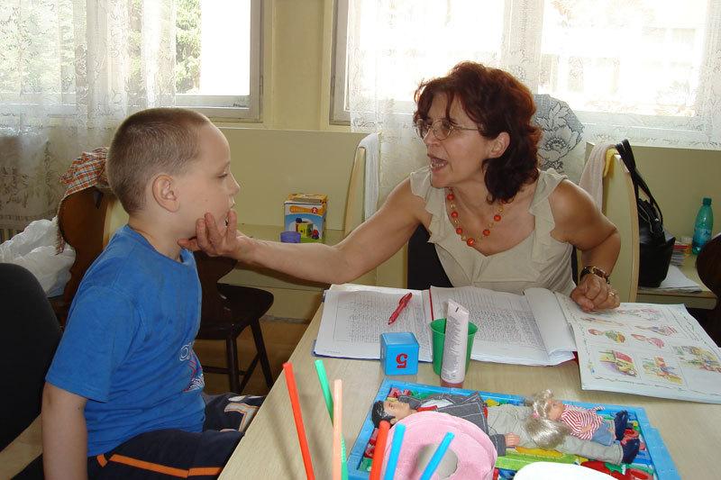 La fiecare şapte ore şi jumătate, în România se naşte un copil cu autism