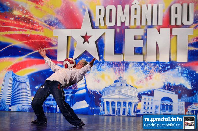 """""""Românii au talent"""". Ştefan Florescu, magicianul mingii: """"Fotbalul pe care îl practic eu e fără blaturi"""""""