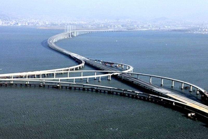 CEL MAI LUNG POD DIN LUME va fi inaugurat astăzi în China. A fost construit în 5 ani şi a costat 6 miliarde de euro