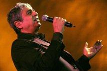 Enrico Macias sărbătoreşte 50 de ani de carieră într-un concert pe 9 martie la Bucureşti