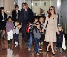 Brad Pitt şi Angelina Jolie nu-şi lasă copiii să caute informaţii despre ei pe Google