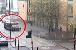 VIDEO. A folosit autobuzul ca ARMĂ. Momentul de nebunie al unui şofer era să-l coste viaţa pe un biciclist