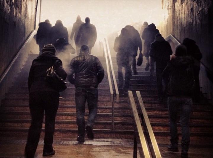 Răzvan Costache a făcut la metrou o fotografie. Au văzut-o un milion de oameni