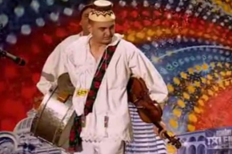 ROMÂNII AU TALENT, sezonul 2. Vasile Godja, ceteraşul din Maramureş pe care Andi îl vede în finală. VIDEO
