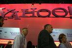 CEO-ul Yahoo, Scott Thompson, îşi dă demisia din cauza unei erori din CV