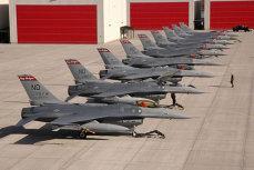 Az amerikaiak mára várják az F 16-os repülőgépek ellenértékét. Az első részlet: 750 millió dollár. Vlădescu: Honnan pénz? Vita a Védelem és a Pénzügy között