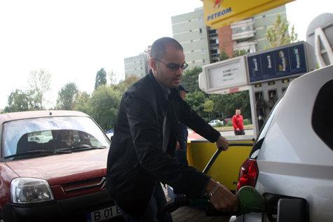 """Az UNTRR azt kéri a kormánytól, lépjen fel  """"határozottan"""" az üzemanyag árának növekedése ellen"""
