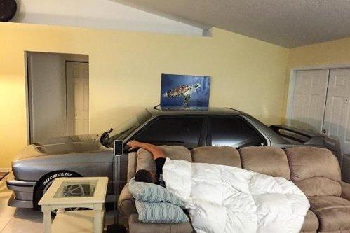 Cum a hotărât un american să se salveze de uraganul Matthew. Decizia sa a strâns zeci de mii de like-uri. FOTO