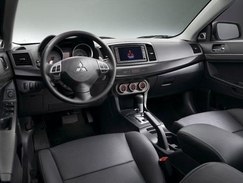 """Mitsubishi a ajuns la mâna concurenţei. Un gigant auto a cumpărat compania şi îşi anunţă """"supremaţia"""""""
