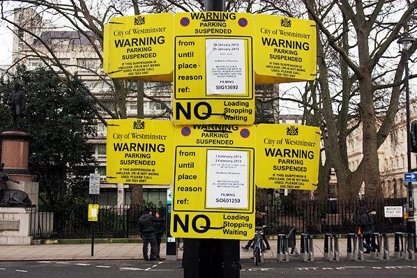 Londra impune noi taxe şoferilor de maşini diesel. Cât costă acum o oră de parcare