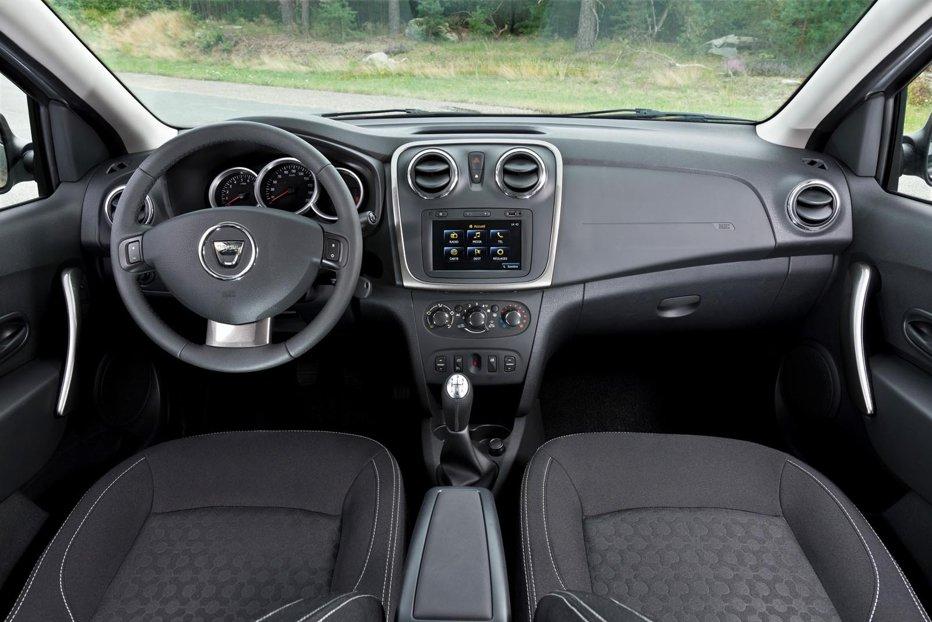 Dacia Renault cheamă în service peste 1.600 de maşini. Probleme grave la airbag şi sistemul de frânare