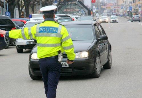 Şofer din Botoşani, prins depăşind viteza legală de 4 ori într-o zi