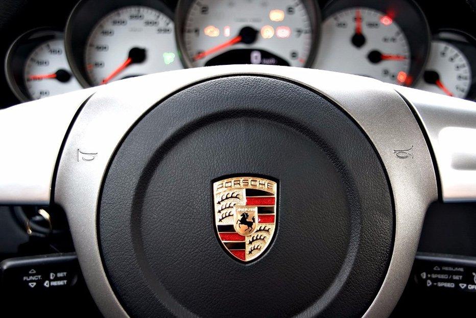 Porsche triplează numărul de angajaţi din România. Ce trebuie să faci pentru a fi angajat