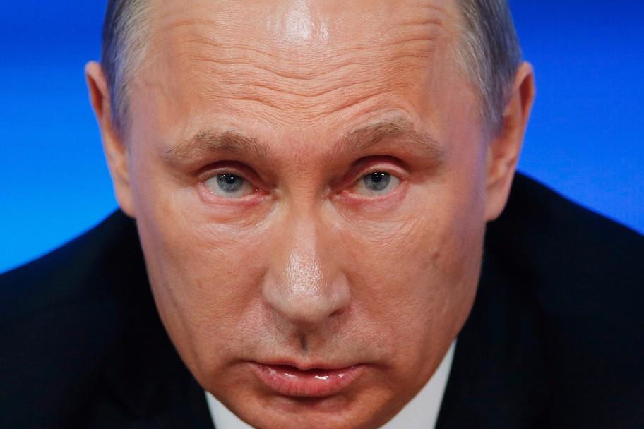 Cum arată limuzina lui Vladimir Putin. Are 800 de cai putere
