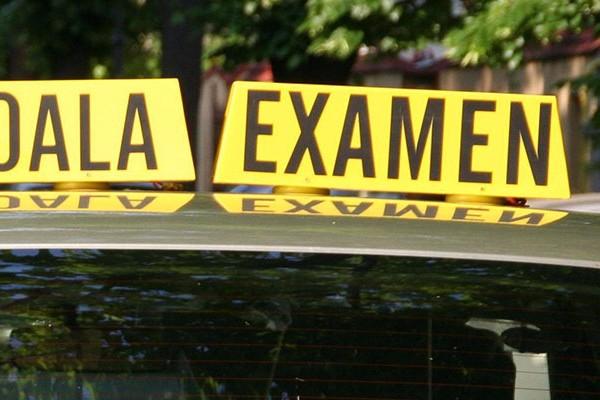 O nouă probă ar putea fi introdusă la examenul auto. Ce ar trebui să ştie viitorii şoferi