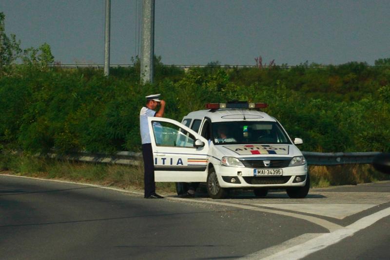 Urmărire ca-n filme la Constanţa: şofer băut, oprit cu 12 focuri de armă după o cursă de 30 de kilometri