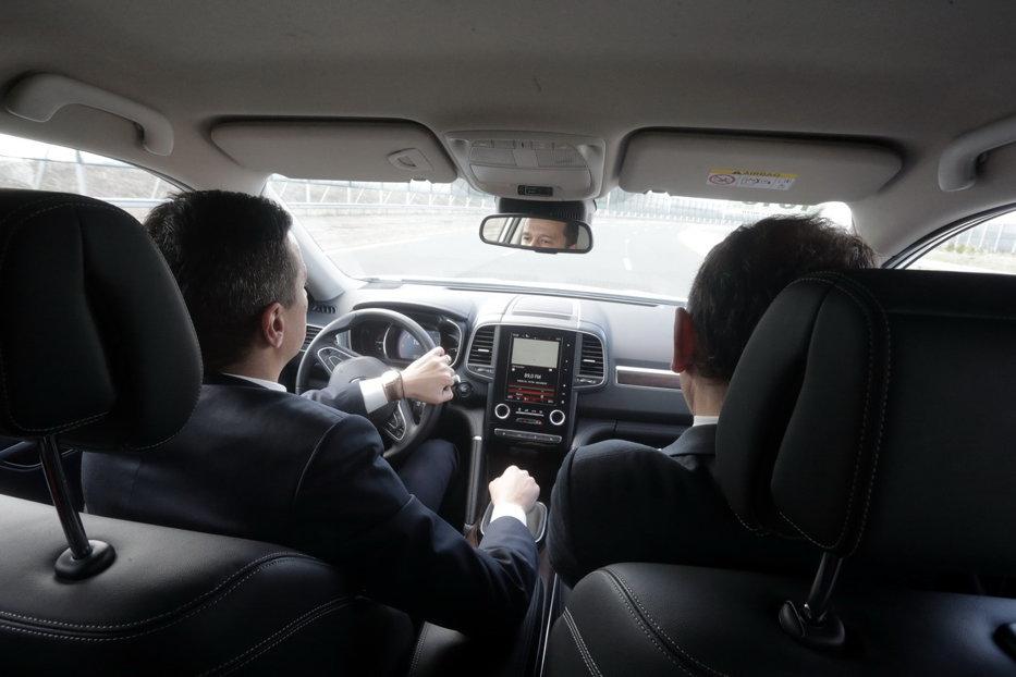 Promisiunea lui Grindeanu, pentru Renault, după un test drive cu un Duster cu cutie automata