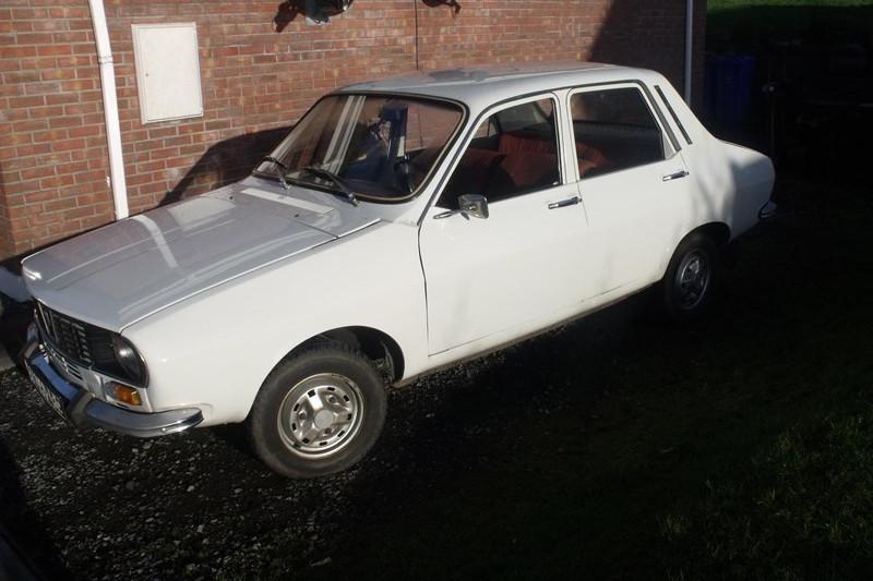 """Cu cât se vinde, în Marea Britanie, această Dacia 1300, o """"maşină clasică"""" din 1981:  """"A fost condusă de o bătrânică"""". Galerie FOTO"""
