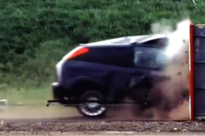 Cum arată un accident la 200 km/h. VIDEO