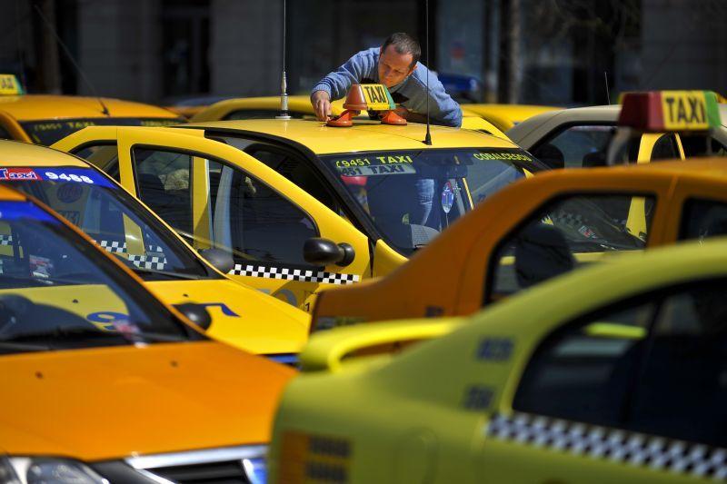 """300 de taximetrişti din Cluj cer ca Uber să plece din România: """"Nimeni nu e mai presus de lege"""""""