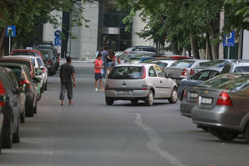 Amenzi usturătoare pentru bucureştenii care ocupă ilegal un loc de parcare