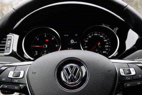 Peste 2.400 de maşini Volkswagen, chemate în service