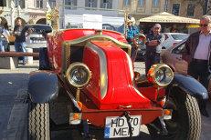 Cât a plătit un român pe această maşină veche de aproape 100 de ani