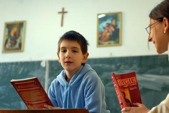 Cine are nevoie de religie în şcoli. Răspunsul preotului Constantin Necula, consilier al Mitropolitului Ardealului, Laurenţiu Streza