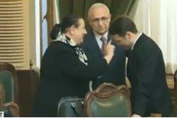 Cel mai mare risc pentru România după ce senatorii au făcut scut în jurul lui Şova. GÂNDUL LIVE