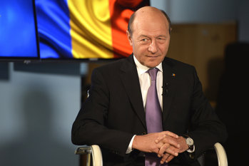 """Traian Băsescu despre scandalul """"Victor Ponta - DNA"""", banii negri din politică şi Elena Udrea, într-o ediţie specială Gândul LIVE"""