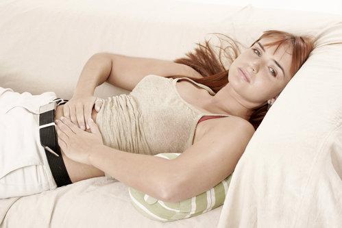 Care este cauza durerilor menstruale