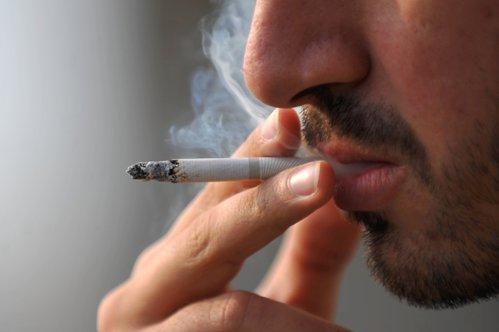 Cum arată plămânii unui om după ce fumează 60 de ţigări