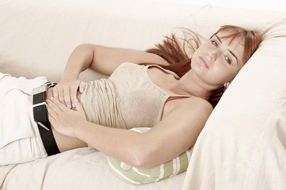Pericolul pe care îl ascund durerile menstruale. 4 din 10 femei ajung infertile din această cauză
