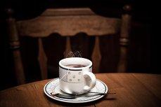 Pericolul neştiut ascuns în fiecare ceaşcă de ceai cald. Boala necruţătoare pe care o provoacă această băutură