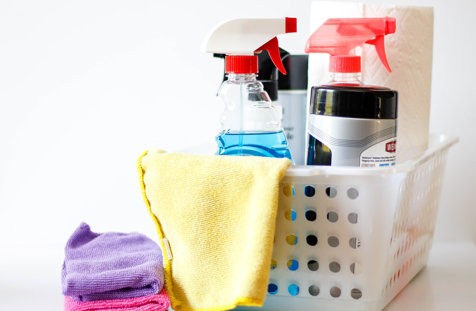 Cât de periculoase sunt produsele de curăţenie. Ce afecţiune gravă pot dezvolta cei care le folosesc frecvent